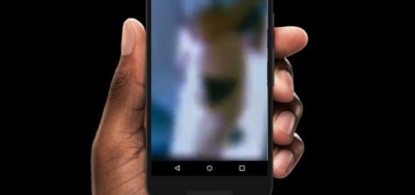 Transmissão ao vivo no Facebook mostra mulher sendo estuprada