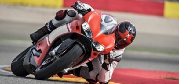Velocímetro da Ducati 1199 Superleggera para de marcar depois dos 298 km/h