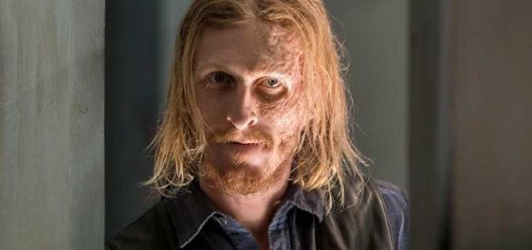 Dwight, agente duplo, atuará para os dois lados na guerra