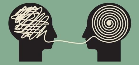 En México, los representantes políticos simulan hablar, pues sus discursos suelen tener una sola obligación: la de esquivar el compromiso