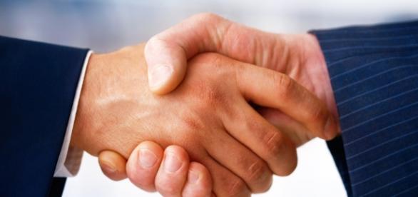 La Mediazione Civile si basa su un accordo stragiudiziale tra le parti facilitato da un mediatore terzo e imparziale.