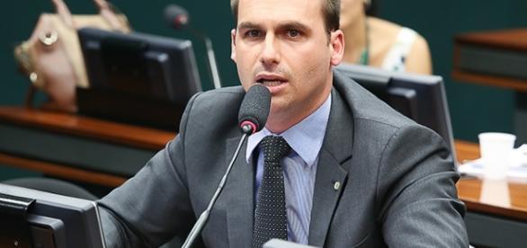 Não é a primeira vez que o parlamentar critica a atenção dada aos presidiários