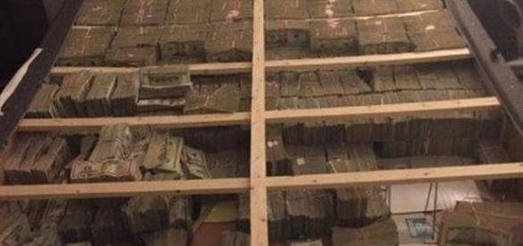 Polícia encontra U$20 milhões dentro de colchão de brasileiro nos EUA