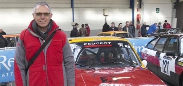 Carlos TAVARES, PDG de Peugeot-Citroën au départ sur une 104 ZS2