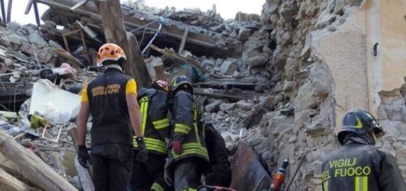 """Sciacalli"""" sulla ricostruzione post terremoto - Francesco Di Silvestre - francescodisilvestre.it"""