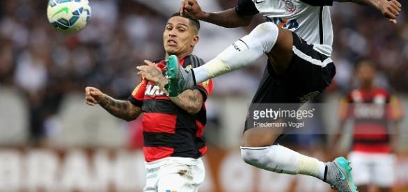 Corinthians e Flamengo agitam o mercado nesta semana