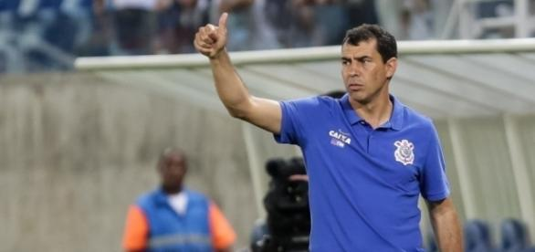 Fábio Carille deve ganhar três novos jogadores para seu elenco