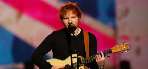 'Photograph' sendo interpretada por Ed Sheeran
