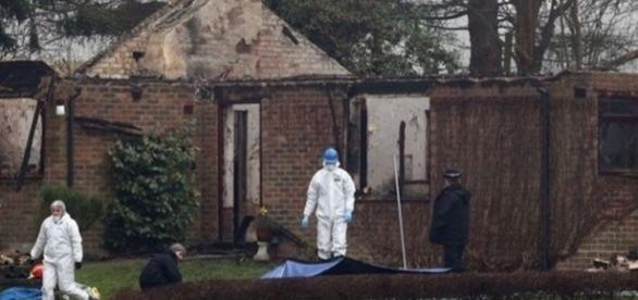 A casa da família ficou visivelmente danificada