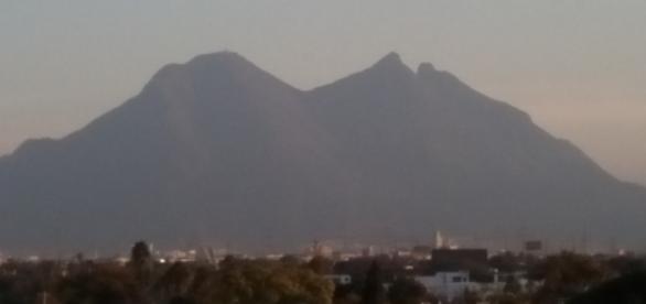El imponente Cerro de la Silla es Símbolo y punto de referencia por excelencia.
