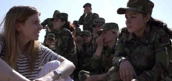 Ex-escravas sexuais enfrentam o exército do ISIS na Síria.