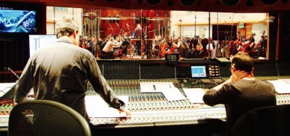 Foto pós produção do filme, gravando a trilha sonora.
