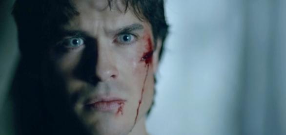 The Vampire Diaries 8x10: Damon retorna depois de finalmente perdoar Stefan (Foto: CW/Screencap)