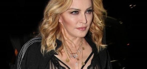 Cantora Madonna, faz um convite inusitado a artista brasileiro