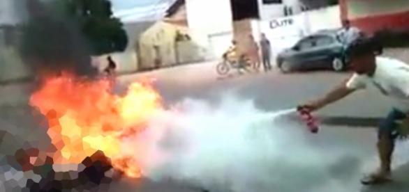 Jovens ficam com corpo queimado - Imagem Meramente Ilustrativa