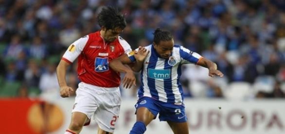 Após passar pelo futebol europeu, jogador pode atuar pelo Timão nesta temporada