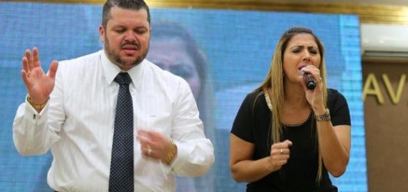 Igrejas evangélicas crescem cada vez mais no Brasil
