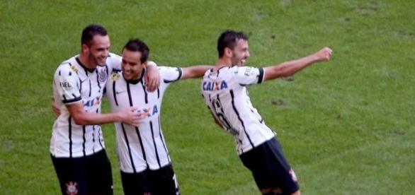 Meio-campista está próximo de retornar ao Corinthians
