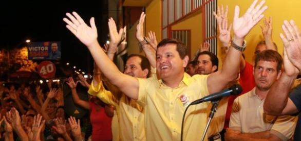 Prefeito de Guanambi fala em Deus no seu primeiro decreto