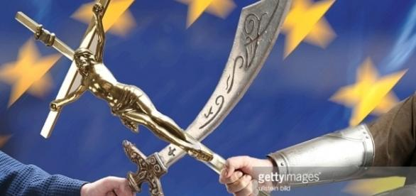 Symbol Kampf der Kulturen, Religionen in Europa, Christentum gegen ... - gettyimages.com
