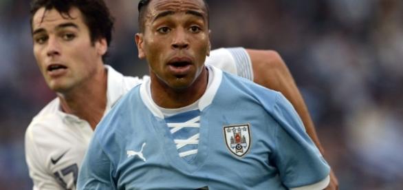 Uruguaio disse que ficaria encantado em vestir a camisa do Corinthians