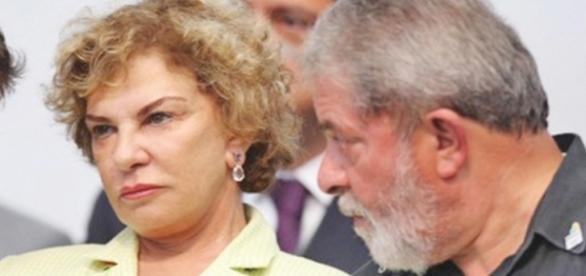 A visita de João de Deus estava prevista para as 16h deste domingo (29), mas Lula pediu que fosse as 18h30, assim ele estaria presente