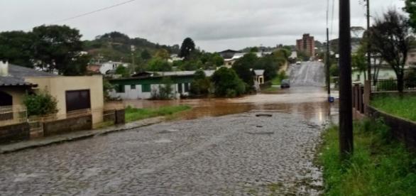 Chuvas voltam a causar estragos em Santa Catarina