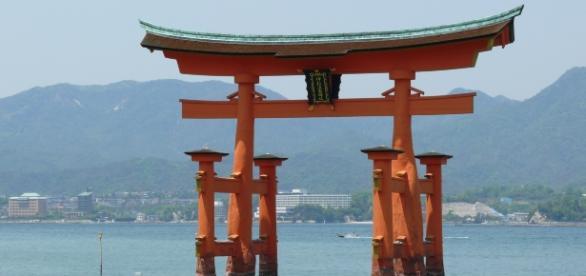 O grande torii, portão de entrada para a Ilha de Miyajima