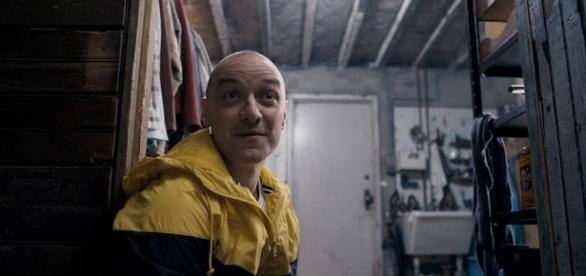 Shyamalan's Split Trailer Gives James McAvoy Terrifying Multiple ... - movieweb.com