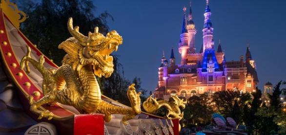 Walt Disney tem parques espalhados por vários continentes, inclusive na China.
