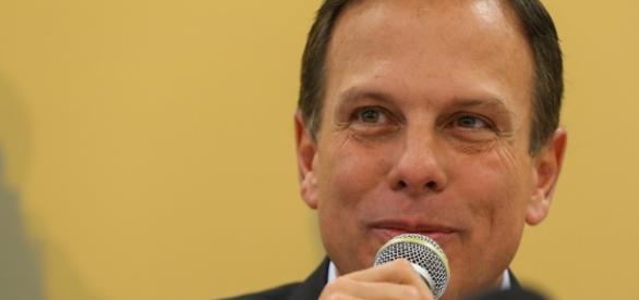 João Dória critica Dilma e é aplaudido em evento