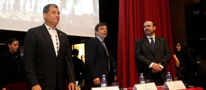 Rafael Correa imparte una clase de economía en la Universidad Complutense