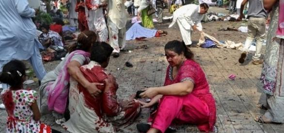 Ataques terroristas deixam mais de 800 mortos