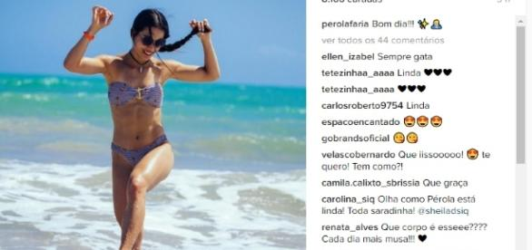 Pérola Faria curte calor em praia em Maceió