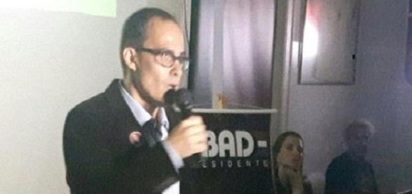 Presidente Abad arante que Flu está próximo de novos patrocinador master e fornecedor de material esportivo (Foto: Arquivo)