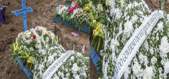 Coroa de Flores para mortos em rebelião - Google