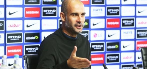 """Guardiola se rende a Jesus: """"Com 19 anos ele já é o camisa 9 da ... - globo.com"""
