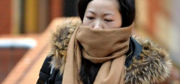 Chuanfang Zheng está sendo acusada pela morte da bebê de sete meses
