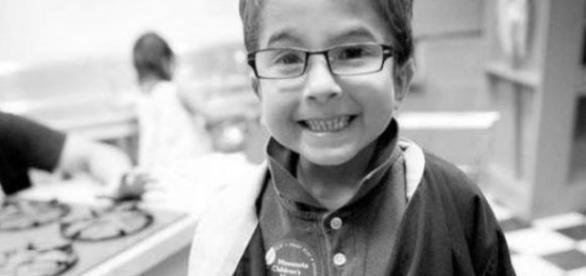 Seth, de sete anos, morreu sem assistência médica