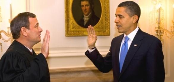 Barack Hussein Obama leistet seinen Amtseid. (Foto: Pixabay / CC0 / URG Suisse)