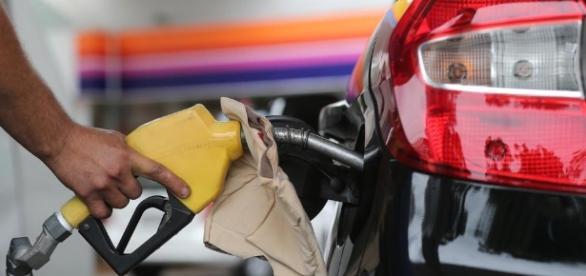 Gasolina e diesel terão novo aumento de preços no Estado - com.br