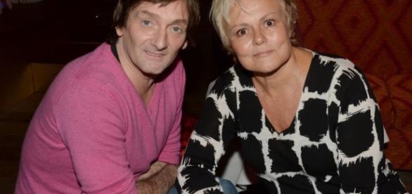 Muriel Robin et Pierre Palmade, l'un sur scène,; l'autre dans un fauteuil, ce soir...... - purepeople.com