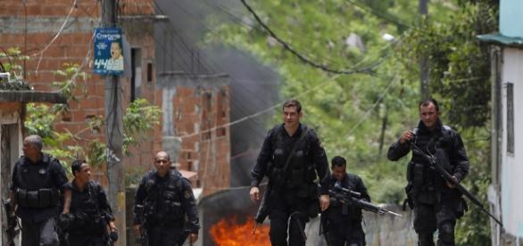 Polícia Militar do Rio de Janeiro combate o crime sem salários