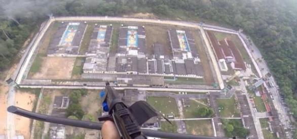 Vista aérea do Completo Penitenciário Anísio Jobim. http://portaldoamazonas.com