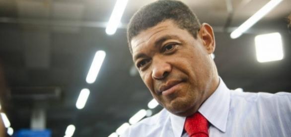 Pastor Valdemiro Santiago é alvo de ataque em culto