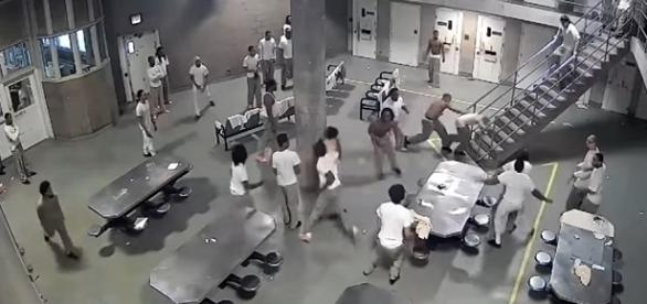 Vários presos entraram em luta no refeitório