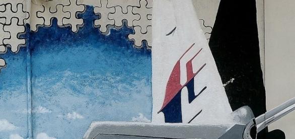 Was ist an Bord von Malaysia Airlines Flug MH370 wirklich passiert? (Fotoverantw./URG Suisse: Blasting.News)