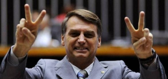 Bolsonaro aparece bem nas pesquisas para 2018