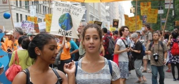 Climate protestors gather near Central Park. Thomas Good - Wikimedia CC-SA3
