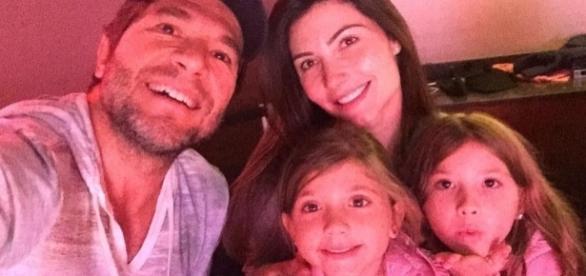 Daniel posta foto com a esposa e as filhas